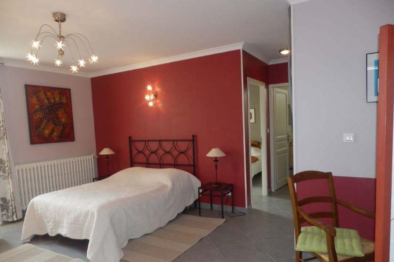 chambres d 39 h tes de laudun chambres d 39 h tes ard che tourisme. Black Bedroom Furniture Sets. Home Design Ideas