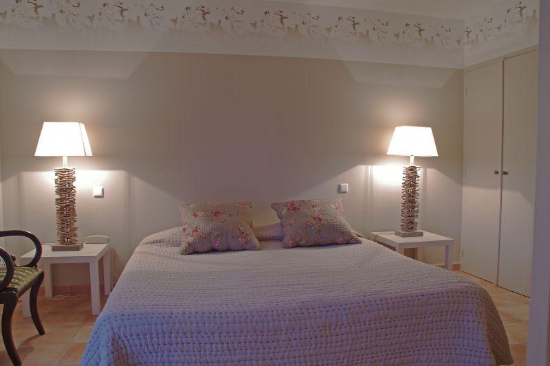 la bastide d 39 iris h tels ard che tourisme. Black Bedroom Furniture Sets. Home Design Ideas