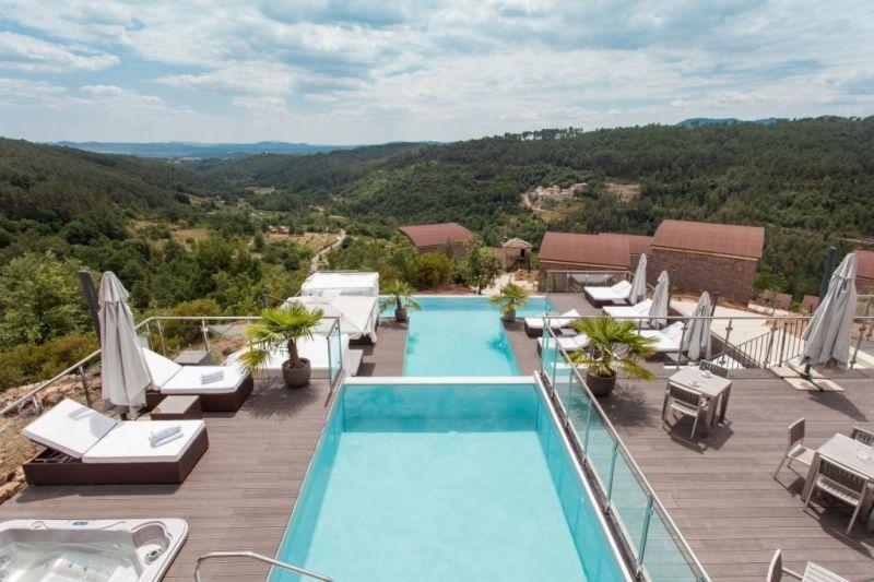 Domaine de chalv ches h tels ard che tourisme for Ardeche hotel avec piscine